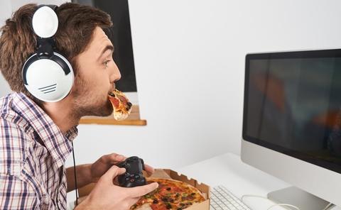 Man Online Gaming